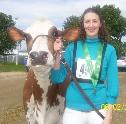 Danza was the 1st cow I got to show at WDE, what an amazing experience.  We got 6th place.